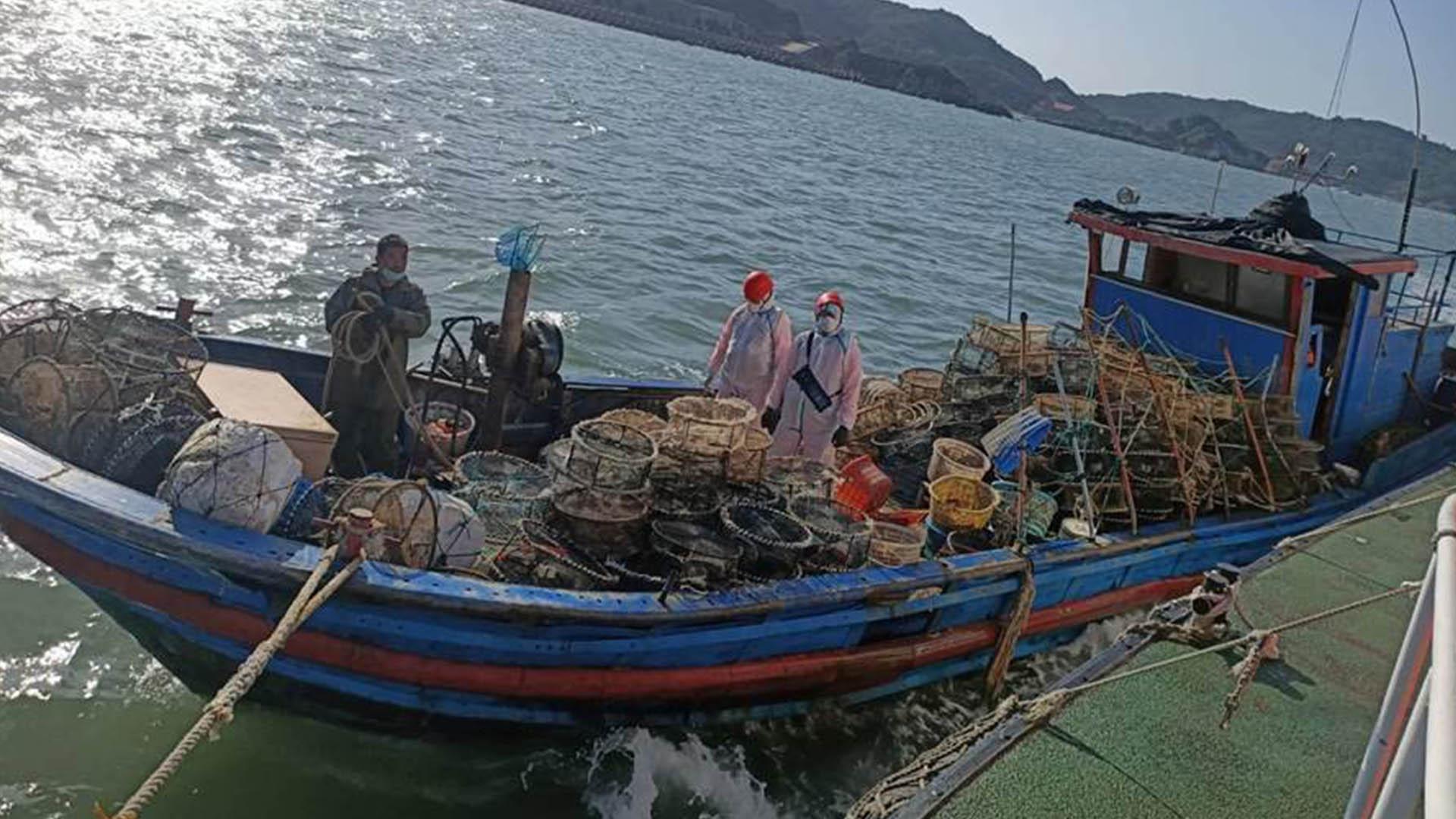 民进党当局查扣大陆渔船并拘捕4人 解放军军机连续5天入台空域图片