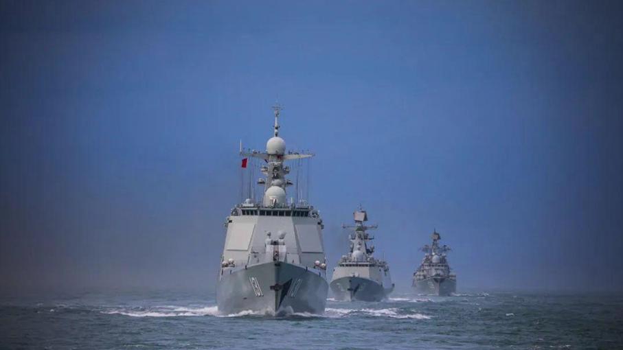 美舰穿航台湾海峡属破坏地区和平稳定东部战区:随时应对一切威胁挑衅图片