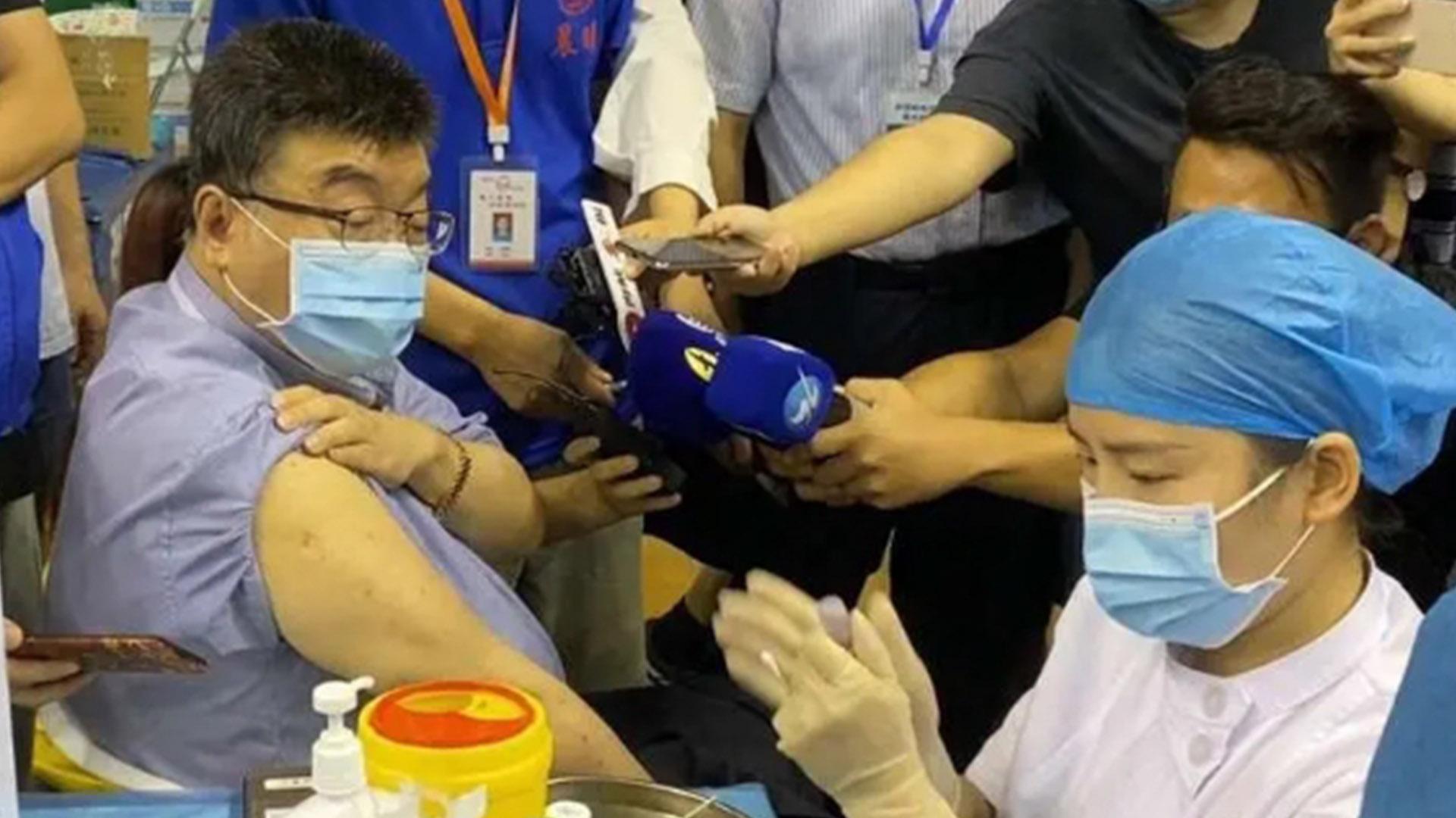 """邱毅在厦门接种疫苗 日防卫白皮书将""""台湾""""和""""中国""""脱钩图片"""