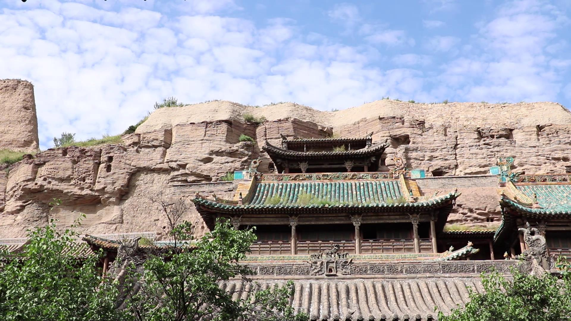 台湾青年参观 山西云冈石窟图片