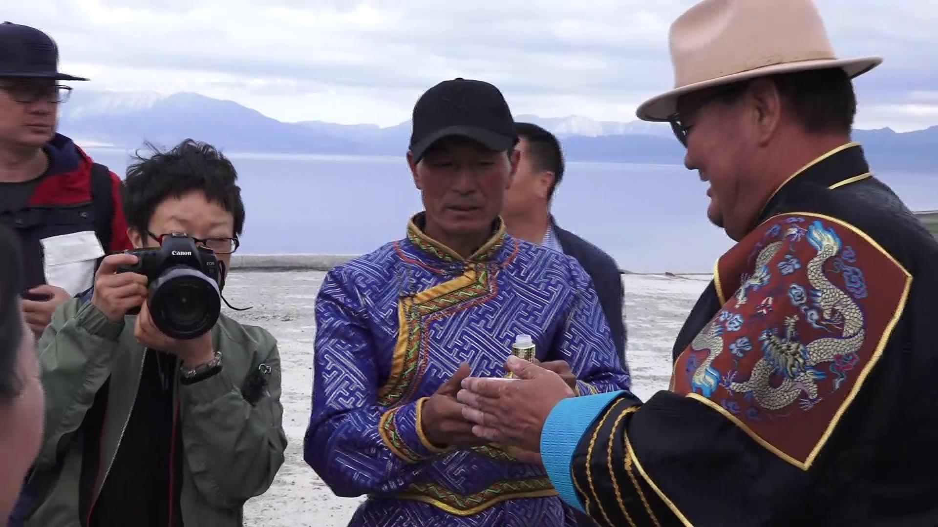 台湾朋友眼中的 蒙古敬酒儀式图片