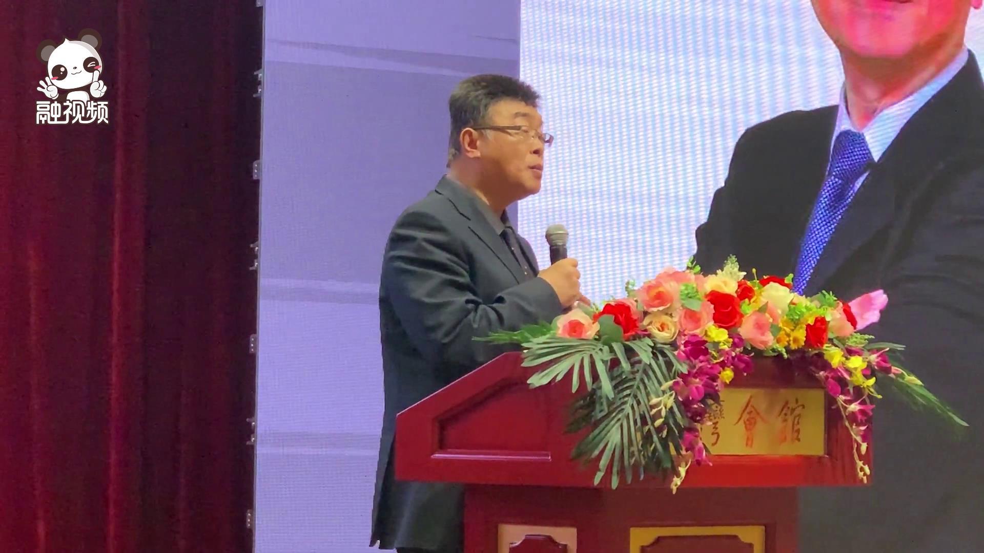 臺灣著名政論家邱毅:兩岸之 間血肉相連、文化相連圖片