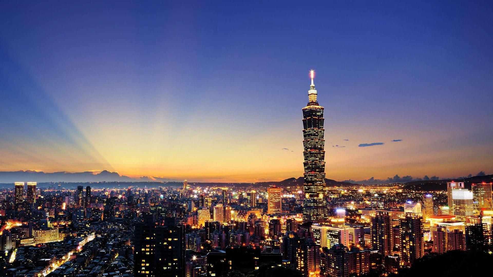 """""""走出去,你会遇见更多101大楼""""——陈柏光寄语广大台湾青年图片"""